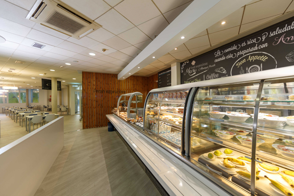 La cafetería del Hospital de Elda incorpora dietas sin gluten para personas celíacas